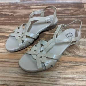 3for$20 Naturalizer sandals size us 9.5m tan